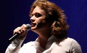 Ο Πέτρος Γαϊτάνος τραγουδά στις 23 Μαρτίου 2017