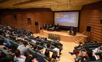 """Η Huawei παρουσιάζει τη νέα στρατηγική και τις λύσεις της Τεχνολογίας Πληροφορικής & Επικοινωνιών στο Huawei """"Smart City"""" Forum 2017"""