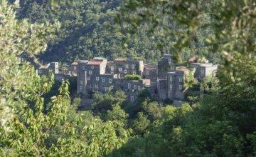 Colletta di Castelbianco: Το Μεσαιωνικό πέτρινο χωριό υψηλής τεχνολογίας!