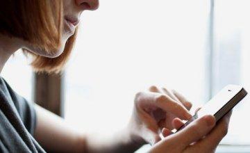 Η καταχρηστικότητα των όρων στα συμβόλαια τηλεφωνίας: Ξέρουμε πραγματικά τι υπογράφουμε;