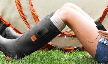 Φορτίστε το τηλέφωνό σας ενώ περπατάτε σε αυτό το παπούτσι