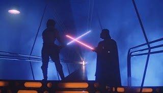 Σε έναν γαλαξία όχι και τόσο μακριά: Οι πιο όμορφες σκηνές του «Star Wars» σε ένα βίντεο!