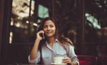 Γιατί το κινητό δεν πρέπει να έρχεται σε επαφή με το κεφάλι; Ποιος είναι ο ασφαλέστερος τρόπος για να το χρησιμοποιήσετε