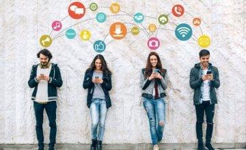 Νέα έρευνα αποκαλύπτει γιατί είμαστε εθισμένοι στα μέσα κοινωνικής δικτύωσης;