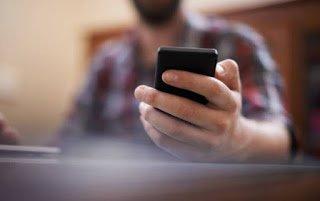 ΠΡΟΣΟΧΗ: Απίστευτη απάτη με SMS στα κινητά μας τηλέφωνα