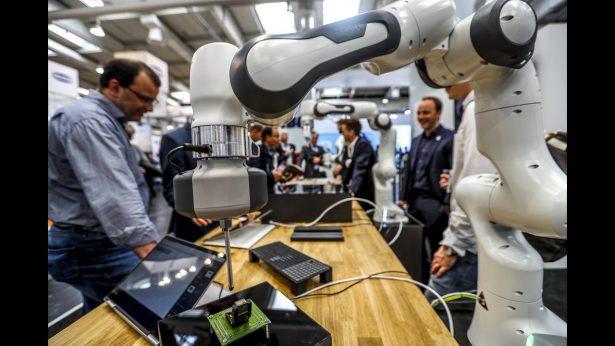 Μεγάλη έρευνα για τα βιομηχανικά ρομπότ στην Ελλάδα
