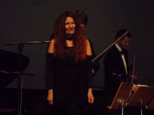"""Η σοπράνο Μαρίκα Κλαμπατσέα και το μουσικό της έργο «Butterfly in Blood"""""""