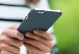 Τρία πράγματα με τα οποία μπορούμε να καθαρίσουμε το κινητό και τα έχουμε στο σπίτι