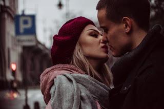 5 tips για να φλερτάρεις και να μη μπορεί κανείς να σου αντισταθεί!
