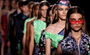 Ο Michael Kors αγοράζει τον Versace