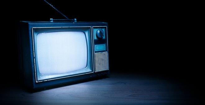 Αγγλία: Για μερικούς η ζωή είναι ακόμα ασπρόμαυρη …τηλεοπτικά