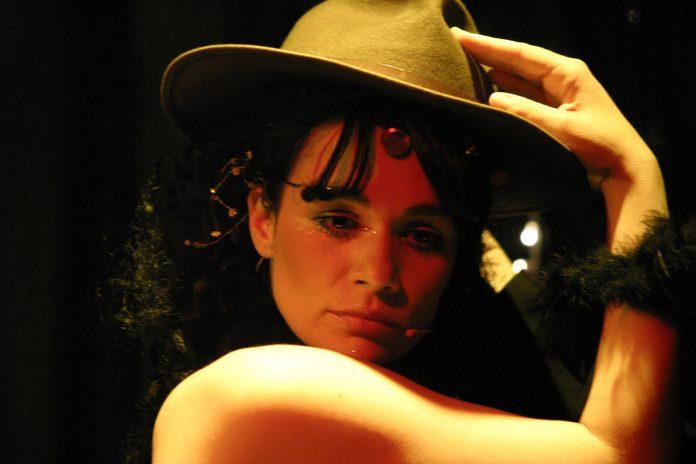 Μαρία Τσαρούχα: Ας είναι «ο Συμπαντικός Ηθοποιός» χρήσιμος για όλους μας