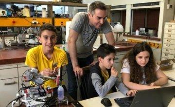 Τρεις έφηβοι θα εκπροσωπήσουν την Ελλάδα στην Ολυμπιάδα Ρομποτικής στην Ταϊλάνδη