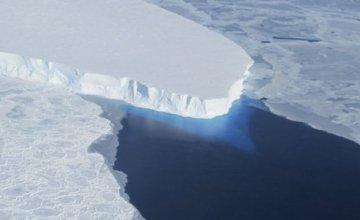NASA: Ετοιμάζεται να αποκολληθεί παγόβουνο 30 φορές μεγαλύτερο από το Μανχάταν
