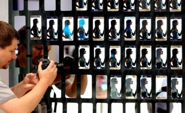 Η επανάσταση των smartphones, η δουλεία των χρηστών