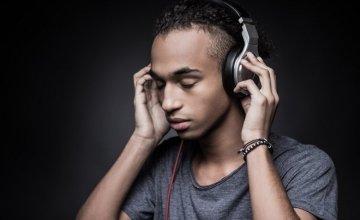 Μουσική: Σκοτώνει την δημιουργικότητα μας