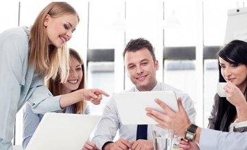 Το 82% των νέων εκτιμά ότι η τεχνολογία φέρνει θετικές αλλαγές στην εργασία