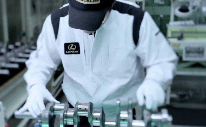 Lexus προβάλει τις 60.000 ώρες των Takumi Masters