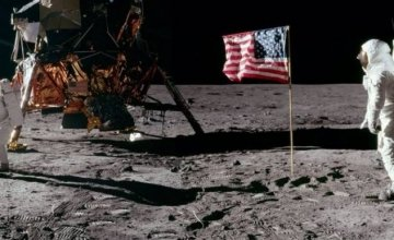 Αφιέρωμα στην COSMOTE TV: 50 χρόνια από το πρώτο βήμα του ανθρώπου στη Σελήνη