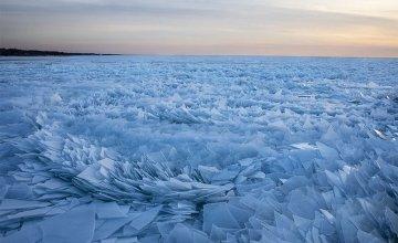 Η παγωμένη λίμνη Μίσιγκαν σε κομμάτια είναι ένα μαγευτικό θέαμα!