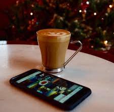 Ανοίγουν Facebook cafe -Με συμβουλές για διατήρηση απορρήτου, δωρεάν καφέ και τσάι