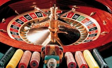 Καζίνο Ελληνικού: Σε θέσεις μάχης οι δύο διεκδικητές