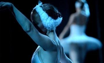 Η «Λίμνη των Κύκνων» από το Russian Ballet Theater, στο Δημοτικό Θέατρο Πειραιά
