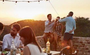 Οι διακοπές με φίλους κάνουν καλό στην υγεία