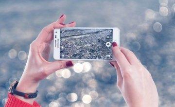 2010-2020: Η δεκαετία των Smartphones των Social Media & του Netflix – Πως βούλιαξαν οι πωλήσεις των φωτογραφικών μηχανών