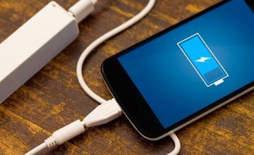 Έρχεται η μεγάλη αλλαγή στους φορτιστές κινητών τηλεφώνων