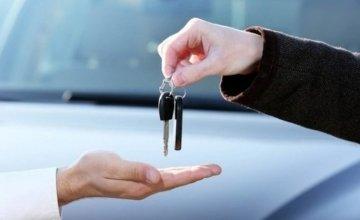 Περισσότερο πειθαρχημένοι κατά τη διάρκεια του ταξιδιού με αυτοκίνητο οι Έλληνες οδηγοί