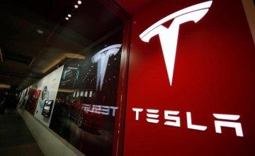 Εκτοξεύτηκε η μετοχή της Tesla – Πόσο ψηλά θα φτάσει;