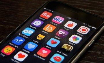 Έρευνα: Πώς μπορείτε να χρεωθείτε εν αγνοία σας μέσω των dating apps