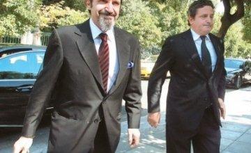 OIKOΓENEIA NIAPXOY: Oι famous billionaires και το «κεφάλαιο Eλλάδα»