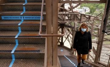 Ανοίγει ο Πύργος του Άιφελ αλλά μόνο για… γυμνασμένους – Χωρίς ασανσέρ το μνημείο του Παρισιού