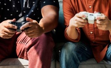 Πώς μπορεί να αντιμετωπιστεί ο εθισμός των εφήβων στα ηλεκτρονικά παιχνίδια;
