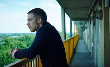 Η COSMOTE TV ανανεώνει τη συμφωνία με τα BBC Studios – Έρχονται νέοι τίτλοι σειρών και ντοκιμαντέρ σε Α' προβολή