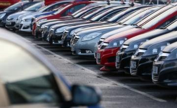 Nielsen: «Χειρόφρενο» στην αγορά καινούργιου αυτοκινήτου