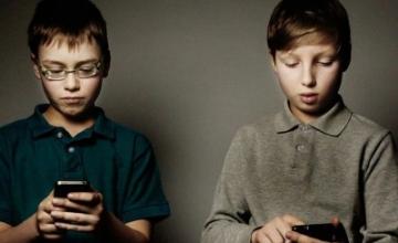 Τα κινητά έχουν αλλάξει ριζικά την ζωή των παιδιών