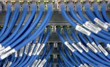 ΕΡΕΥΝΗΤΕΣ ΧΤΥΠΟΥΝ ΚΑΜΠΑΝΑΚΙ Το ίντερνετ θα έχει «μπουκώσει» ως το 2023