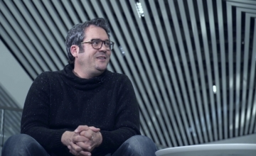 COSMOTE TV: Ο πρωταγωνιστής του Έτερος Εγώ, Πυγμαλίων Δαδακαρίδης «ξετυλίγει» το ταλέντο του στο gaming
