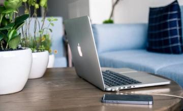 Έχεις συσκευή της Apple; Τι πρέπει να κάνεις άμεσα για να μην σου τη χακάρουν