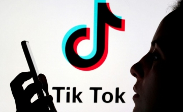 TikTok: H EE απαιτεί απαντήσεις για τη στόχευση ανηλίκων με διαφημίσεις