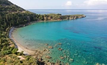 Δυτική Μάνη – Φημισμένες παραλίες και γραφικοί όρμοι με κρυστάλλινα νερά