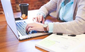 ΟΑΕΔ: Συνεχίζονται οι αιτήσεις για το 100% επιδοτούμενο πρόγραμμα στο ψηφιακό μάρκετινγκ